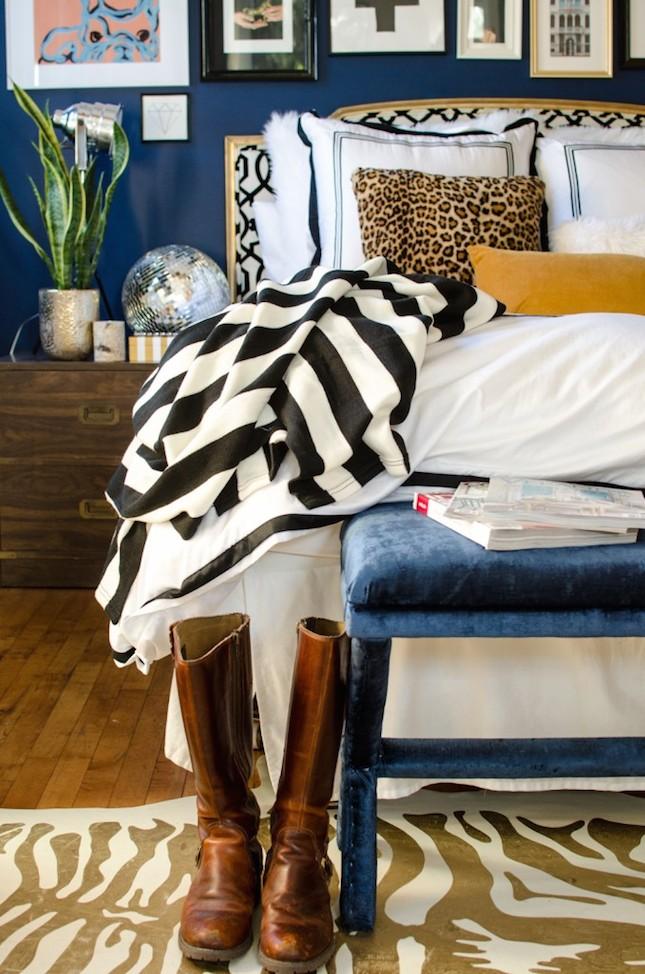mixing-prints-bedroom